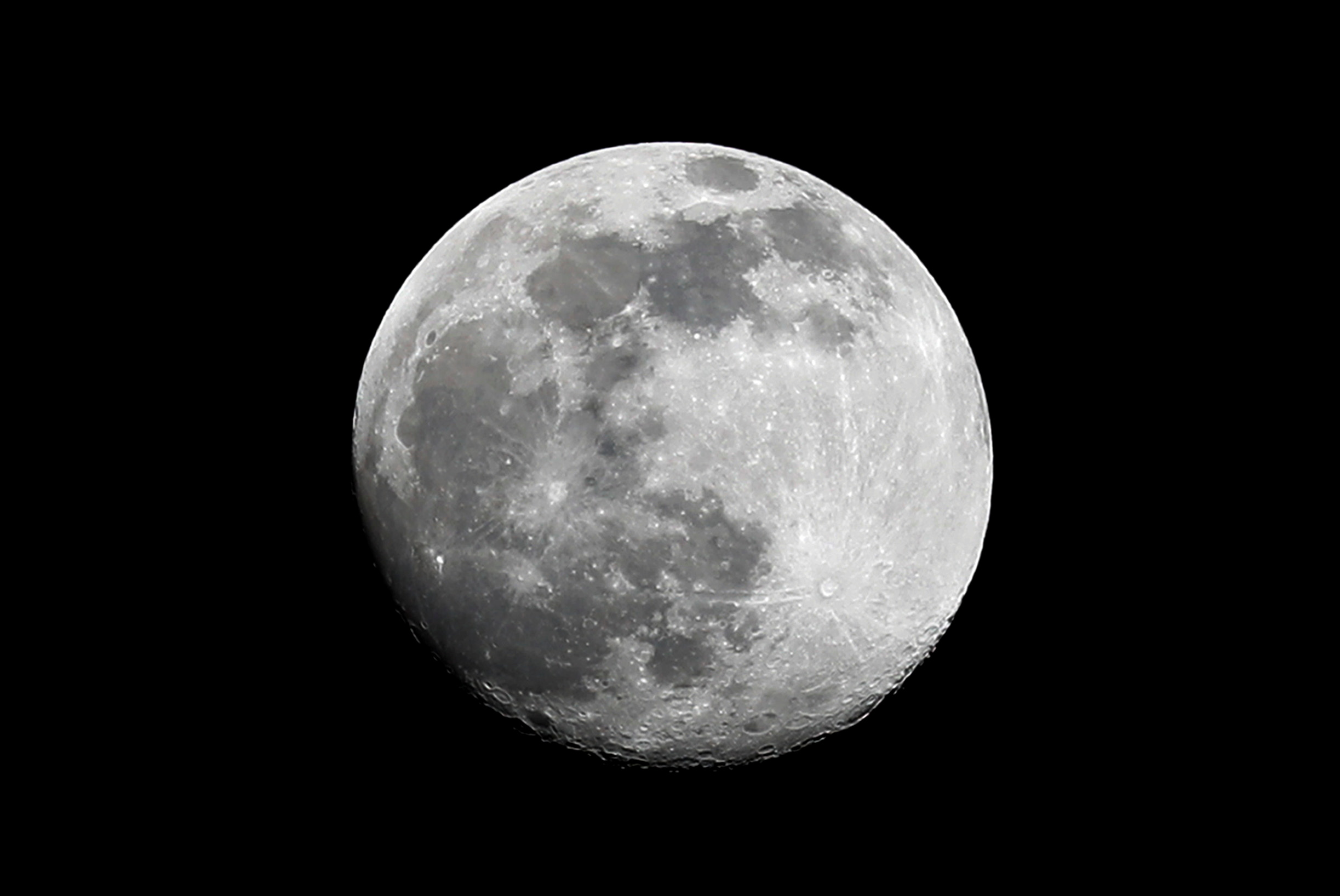 Russia and China want to build an 'international' station on the Moon