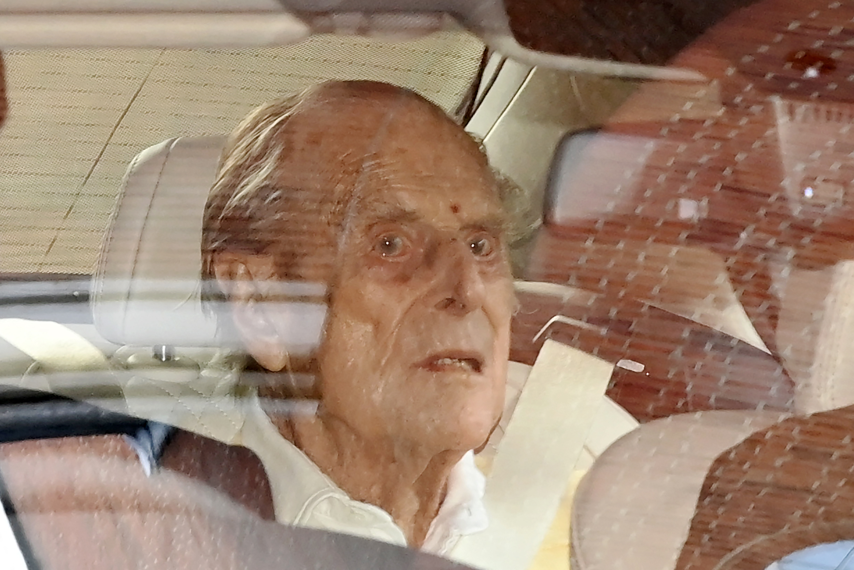 <p>Britain's Prince Philip, Duke of Edinburgh leaves King Edward VII's Hospital in central London on March 16, 2021. - The 99-year-old husband of Queen Elizabeth II was in hospital with a heart condition. (Photo by DANIEL LEAL-OLIVAS / AFP) (Photo by DANIEL LEAL-OLIVAS/AFP via Getty Images)</p>