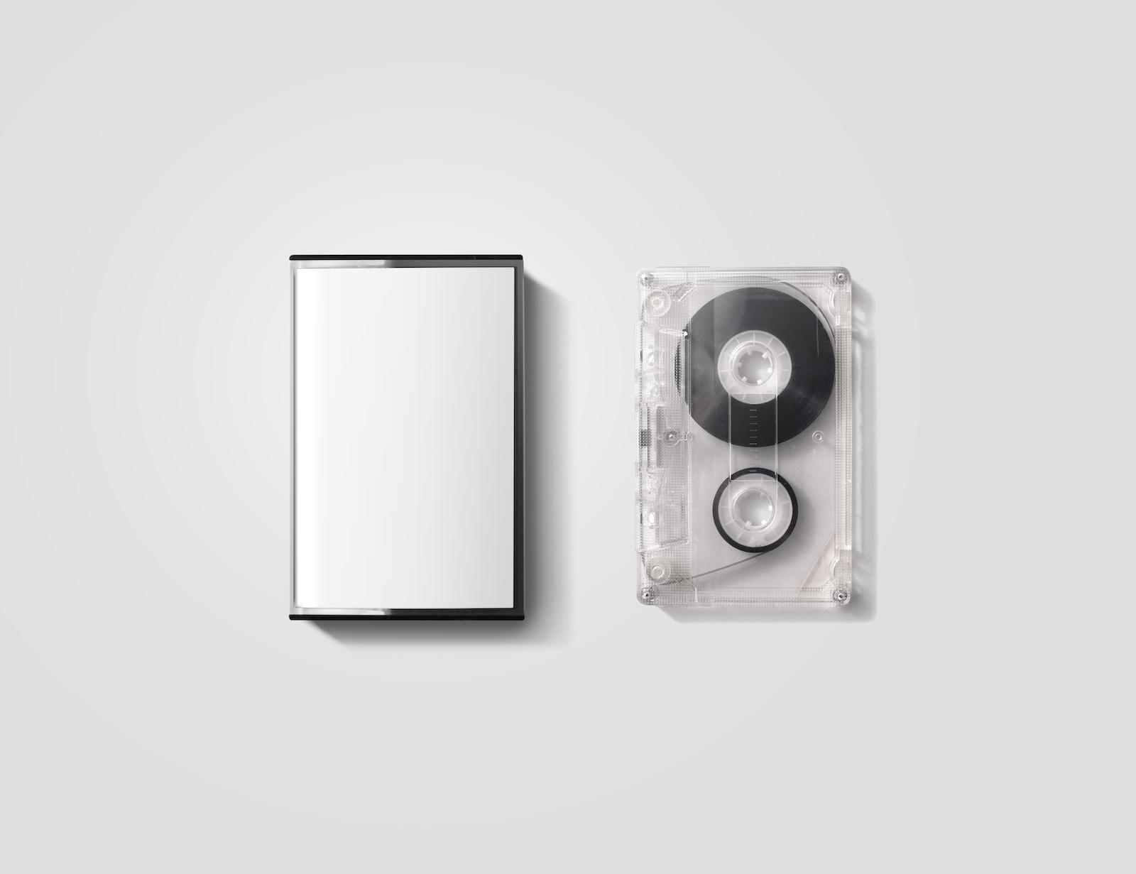 空白的盒式磁帶箱子設計大模型,被隔絕,裁減路線。 復古cassete磁帶盒與復古的casset模擬。 塑料模擬磁帶盒透明包裝模板。  Mixtape盒蓋。