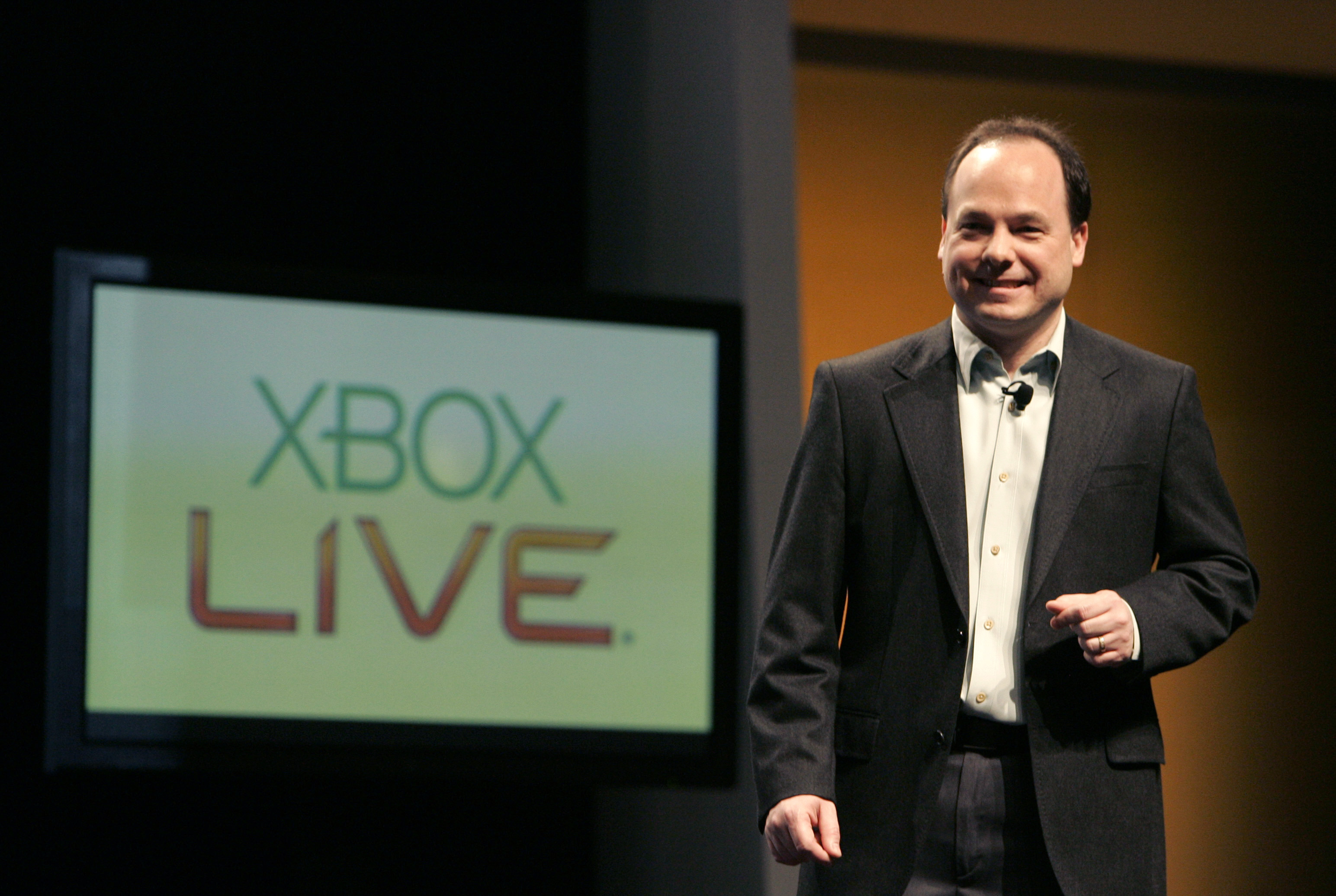 Microsoft XBox Live executive John Schappert gives his keynote address at the Game Developers Conference in San Francisco, California, February 20, 2008. REUTERS/Robert Galbraith (UNITED STATES)-GM1DXHSBVGAA