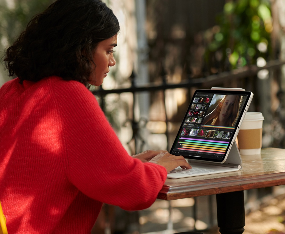 Apple's iPad Pro makes its own laptops obsolete