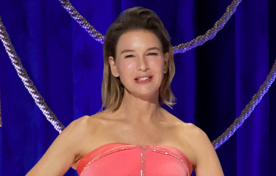 Fans can't stop talking about Renée Zellweger's 'flawless' Oscars look