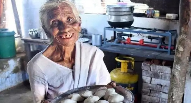 Meet 'Idli Amma' From Coimbatore Who Fills Both Your Heart And Stomach