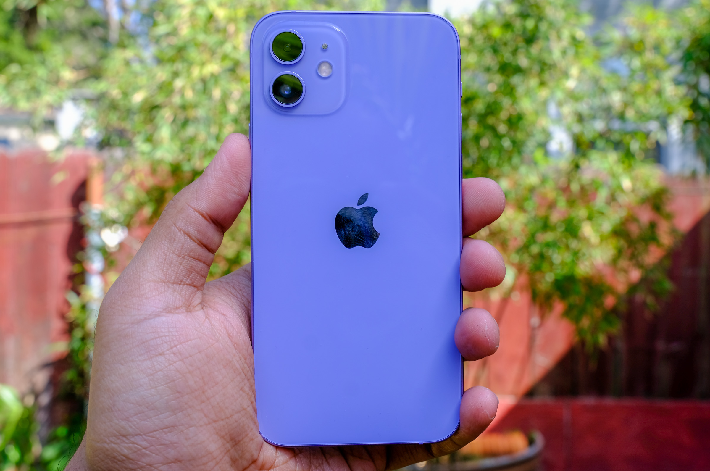 <p>Apple iPhone 12 in purple</p>