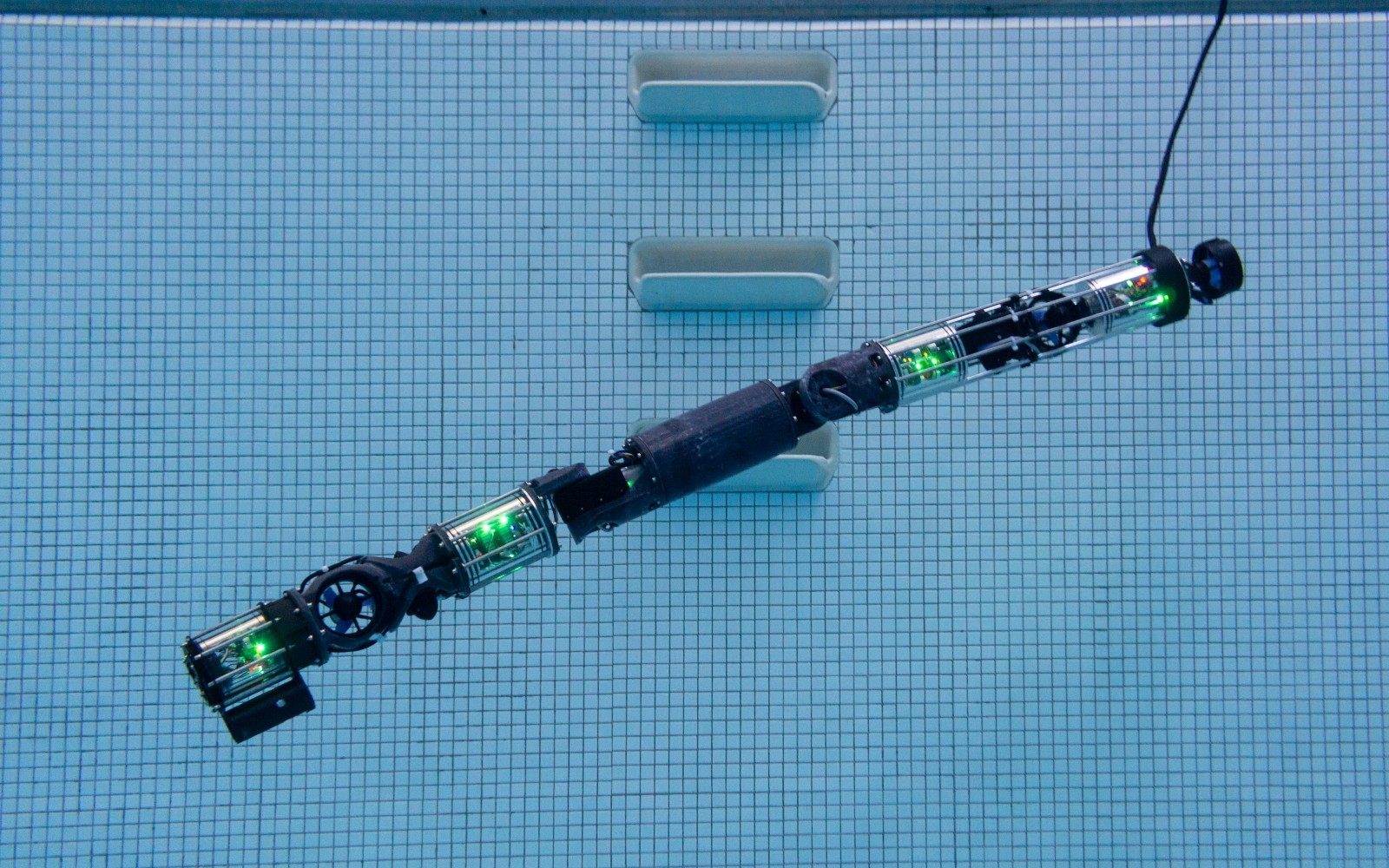 Carnegie Mellon's latest snakebot can swim underwater