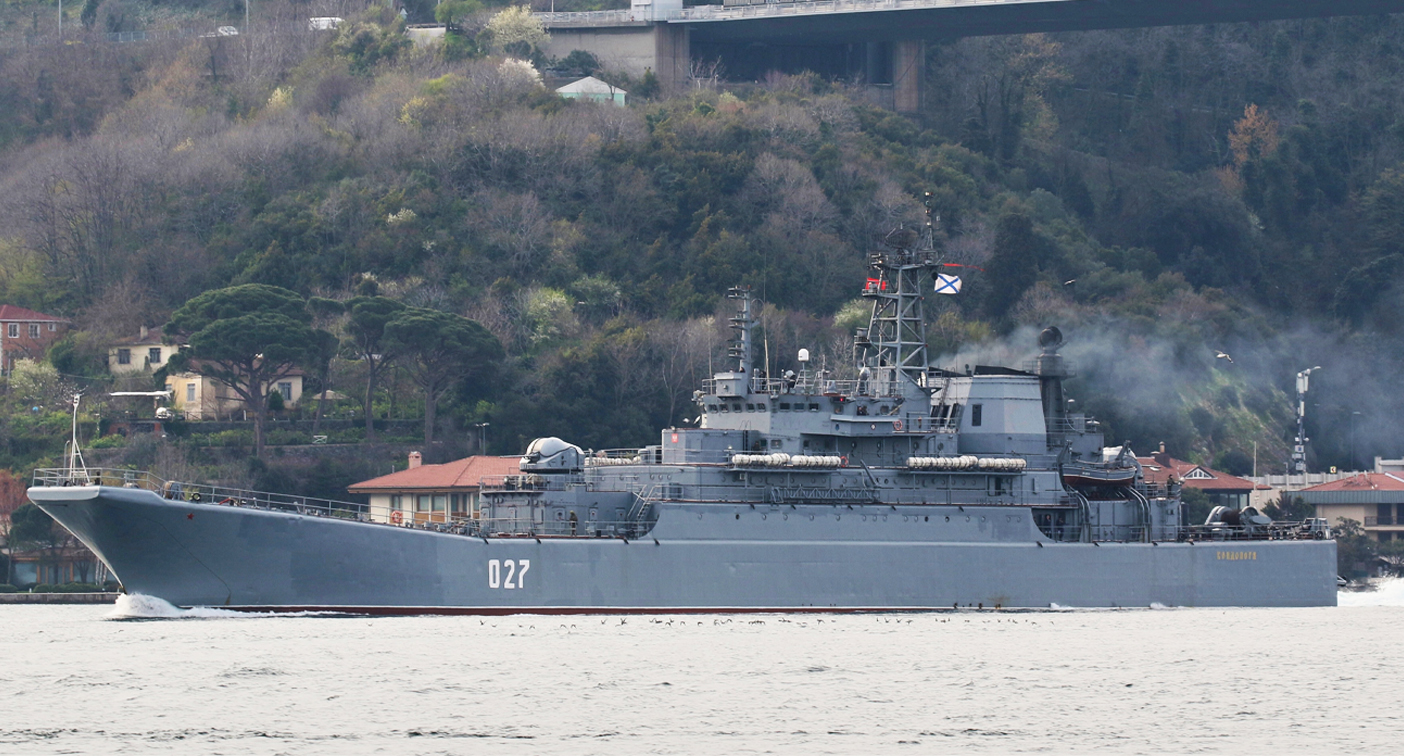 Worrying sign as ominous warship photo emerges