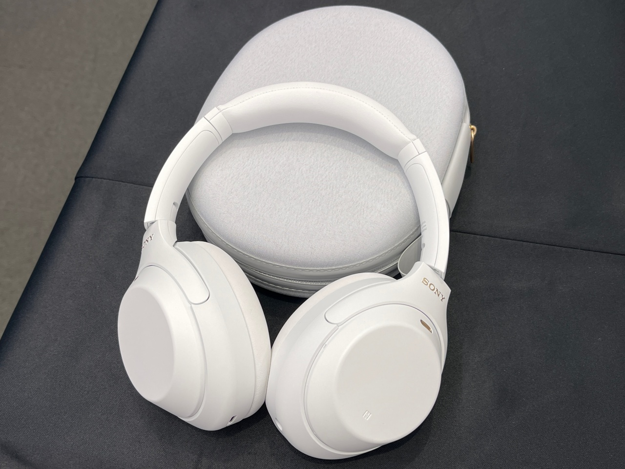 WH-1000XM4 Silent White