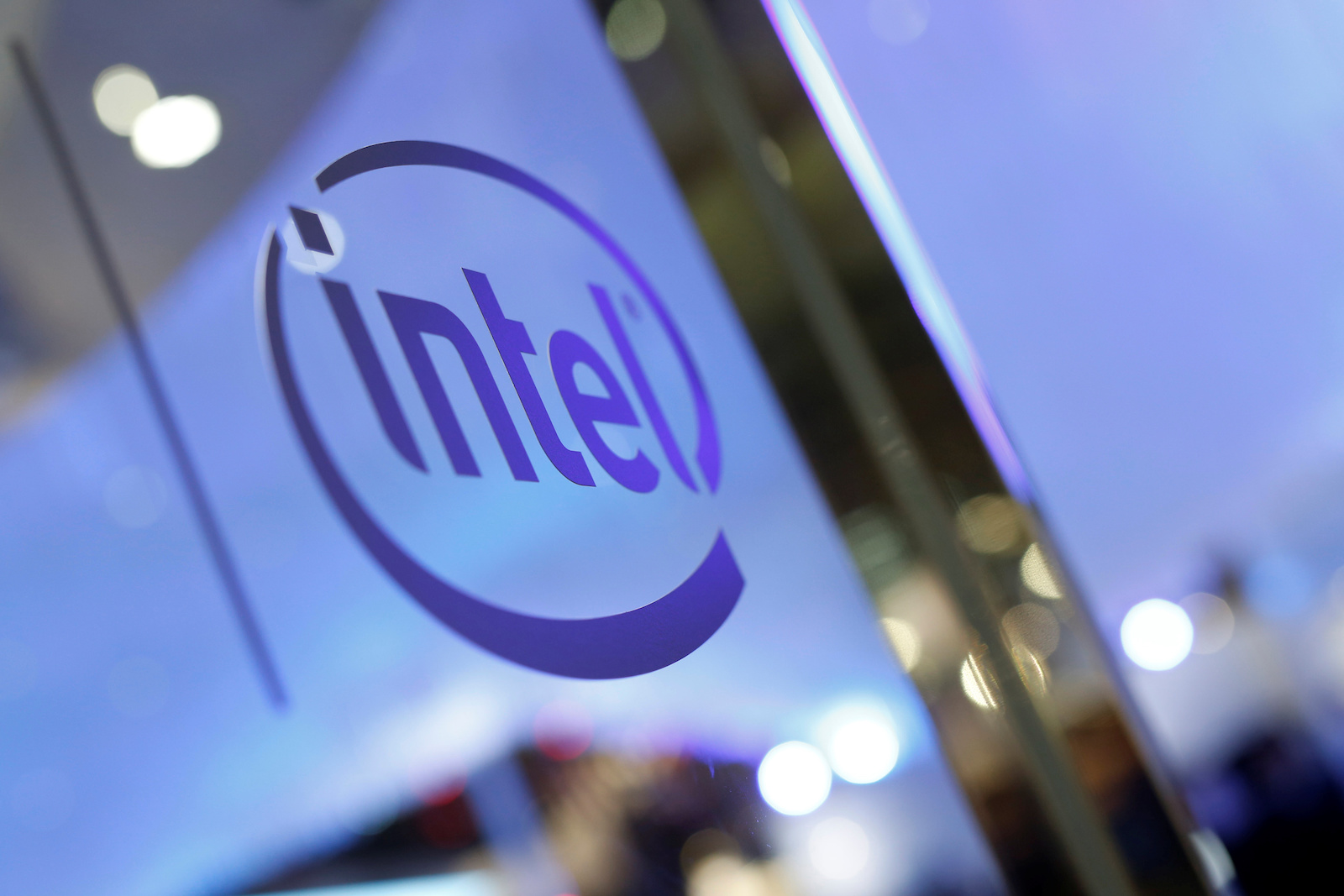 The logo of Intel is seen during the annual Computex computer exhibition in Taipei, Taiwan June 1, 2016. REUTERS/Tyrone Siu - D1BETHJEVYAA