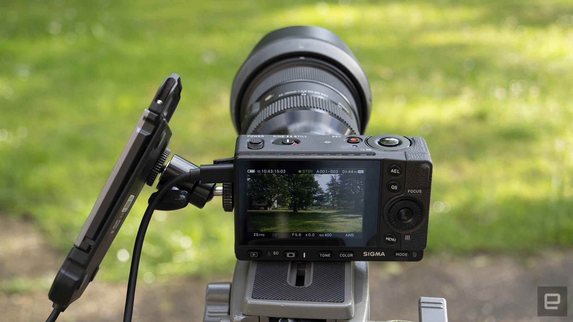 <p>Sigma fp L full-frame mirrorless camera hands-on</p>