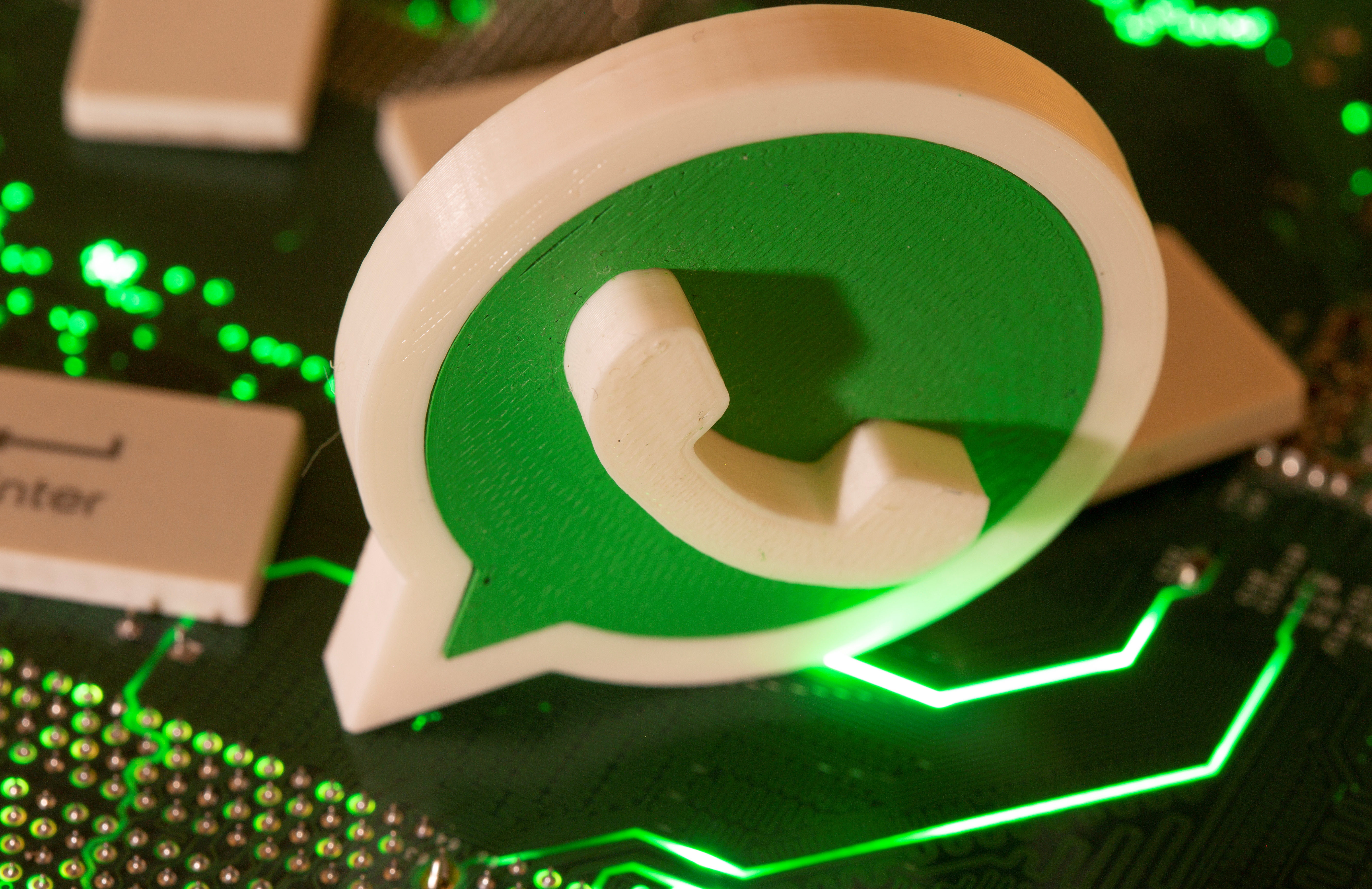 Archived WhatsApp chats will no longer come back to haunt you - Engadget