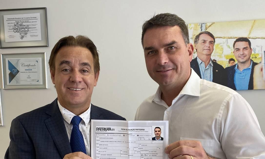 Patriota recebe filiação de Flávio Bolsonaro e aguarda o presidente