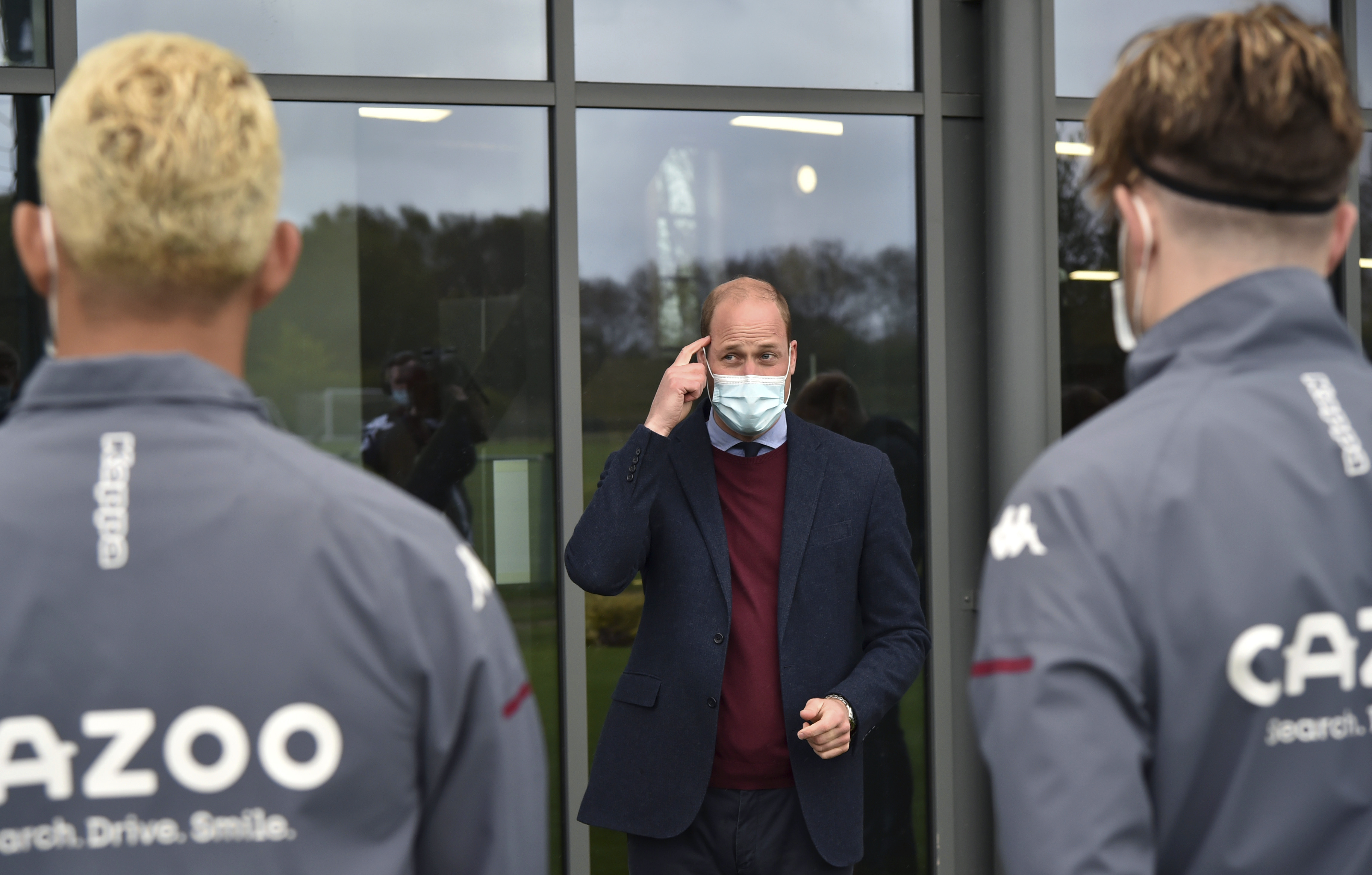 <p>The Duke of Cambridge speaks to Aston Villa players during a visit to Aston Villa's High Performance Centre at Bodymoor Heath, Warwickshire. Picture date: Tuesday May 4, 2021.</p>