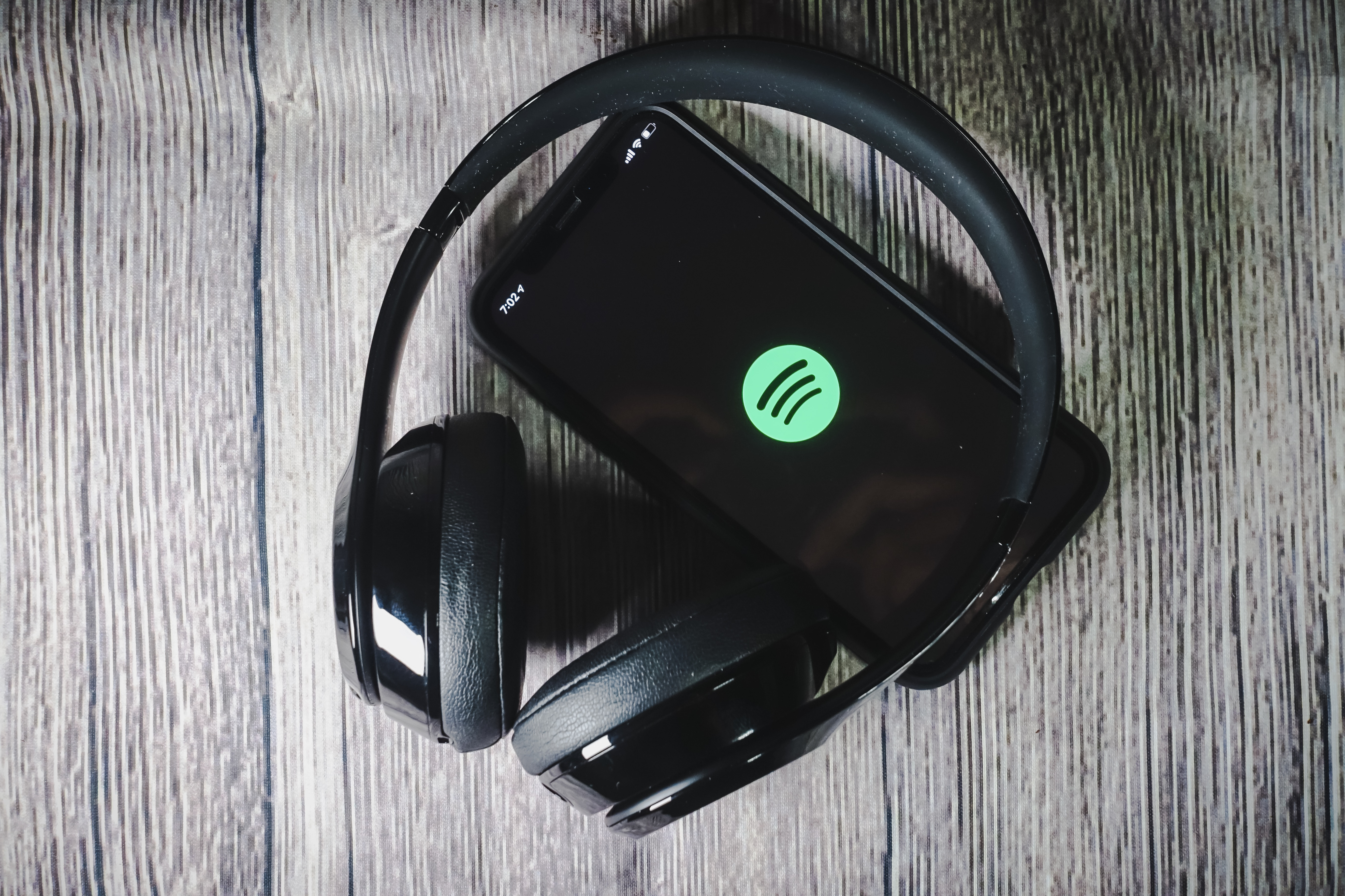 Spotify acquires startup that can improve podcast discovery