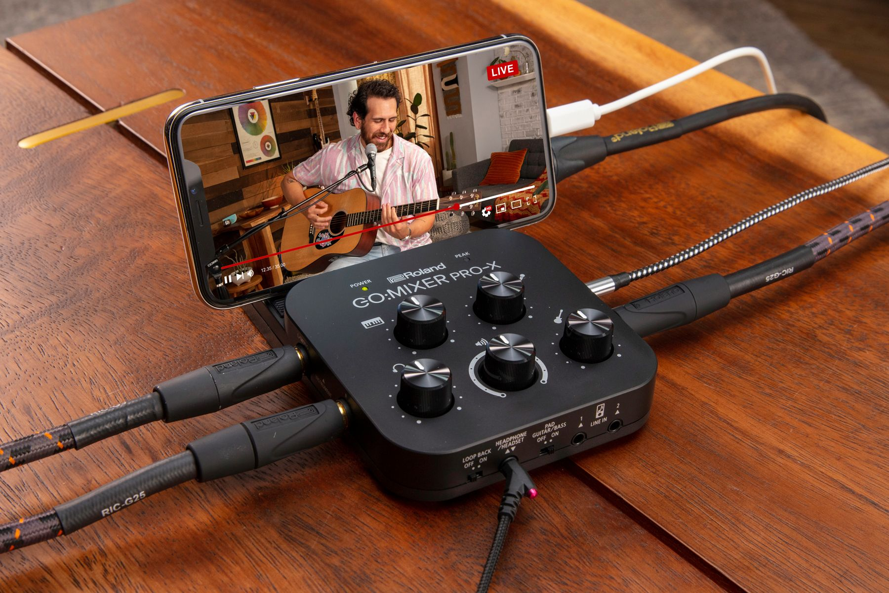 Roland's new mobile mixer has better support for Android and headset mics | Engadget