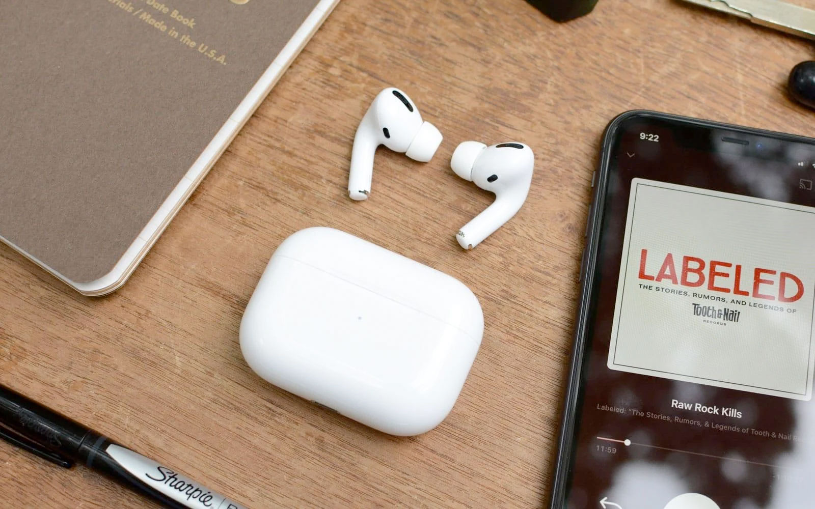 Apple's new features for AirPods include help for 'mild' hearing loss | Engadget