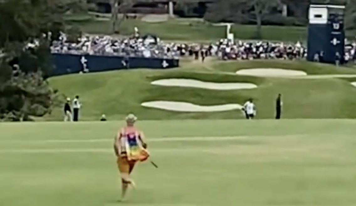 Fan runs onto course at U.S. Open, gets tackled