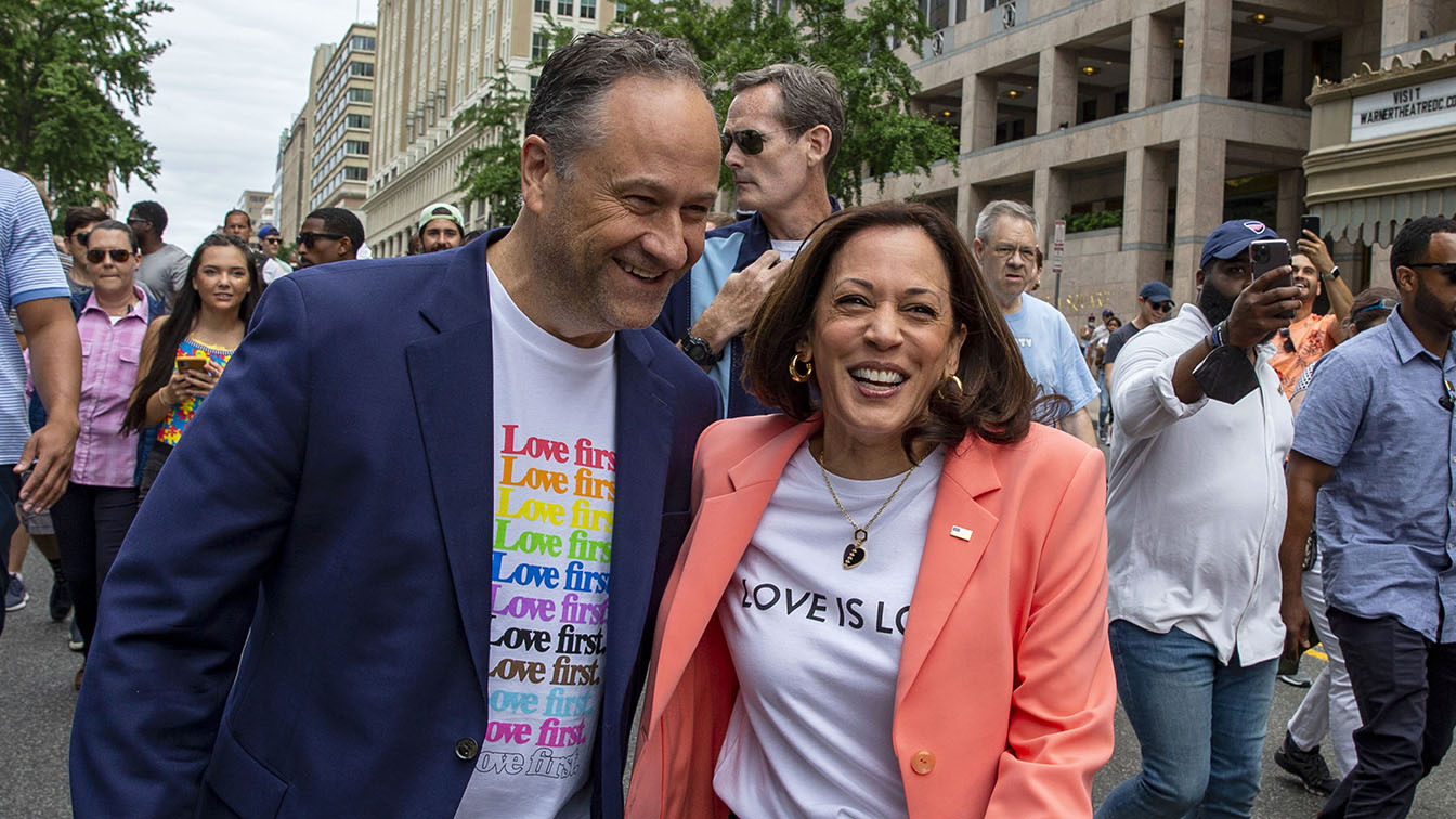 Kamala Harris becomes 1st sitting vice president to march in Pride parade – Yahoo News