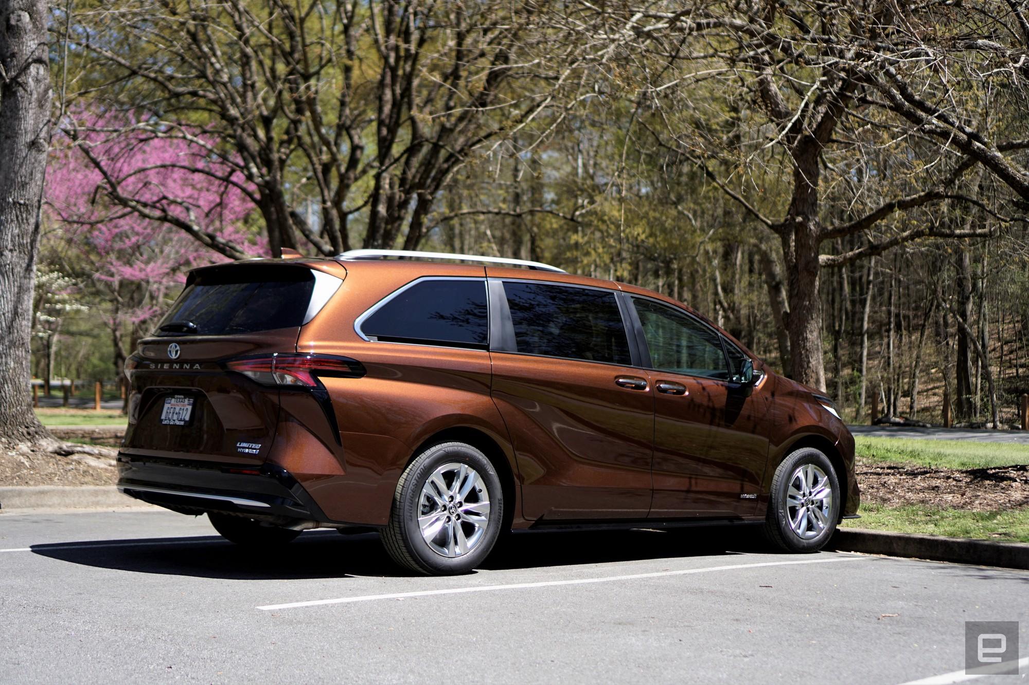 <p>Toyota Sienna 2021</p>