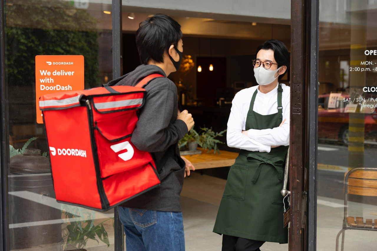 food delivery Masahiro Sano