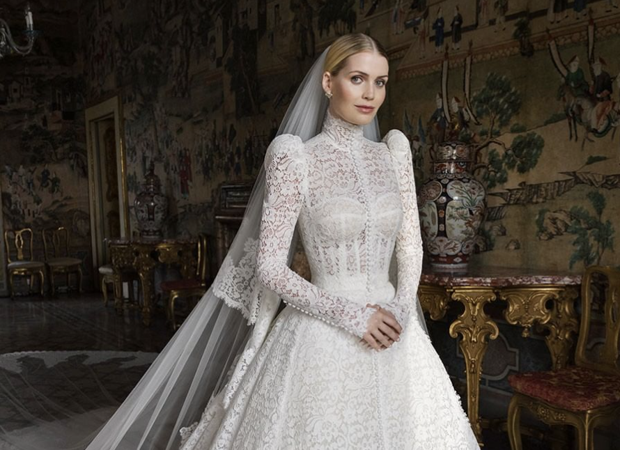 Lady Kitty Spencer Princess Diana's model niece wears Dolce & Gabbana to wed billionaire Michael Lewis 62 – Yahoo Entertainment