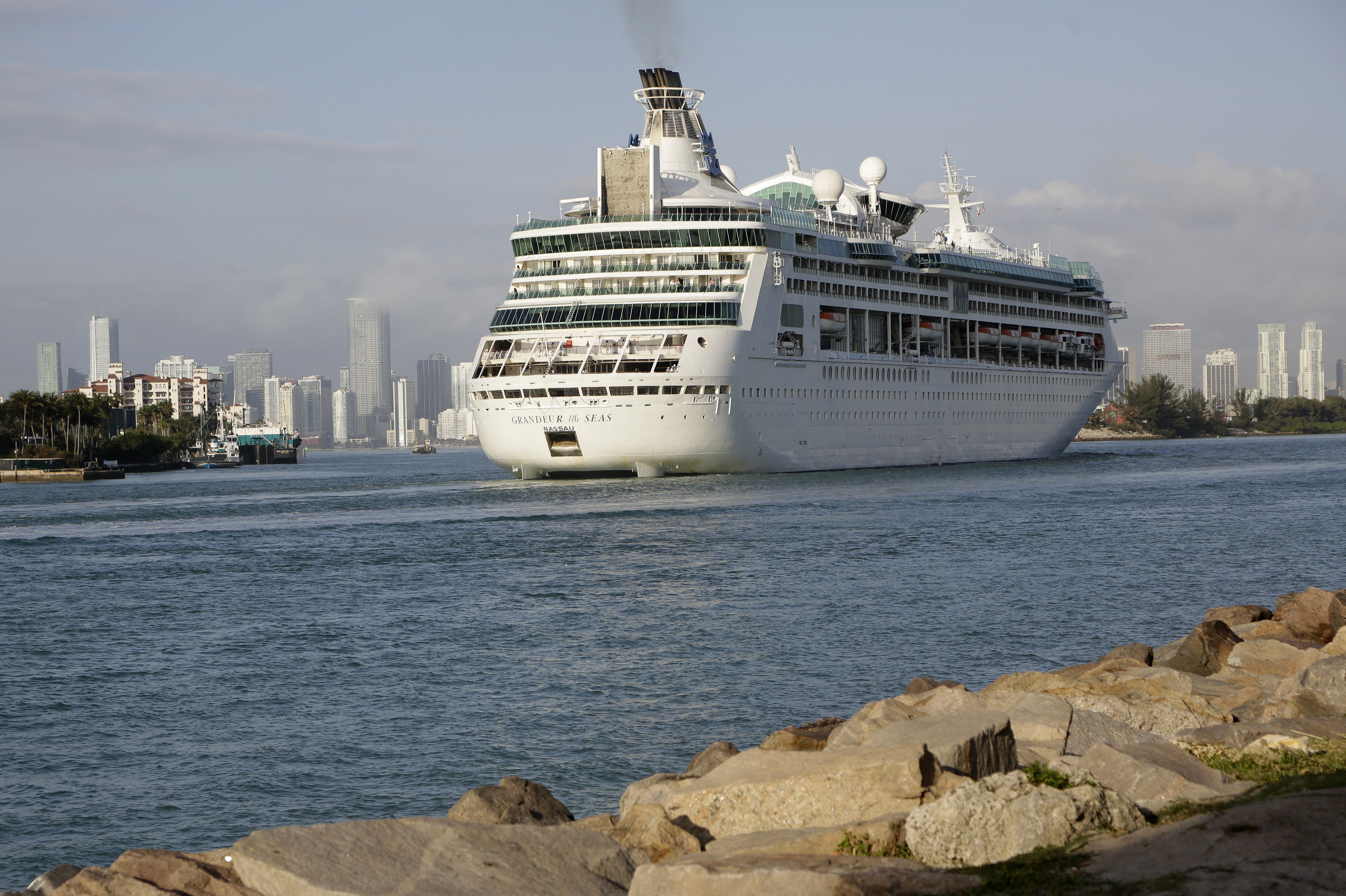 Federal court lifts CDC rules for Florida-based cruise ships