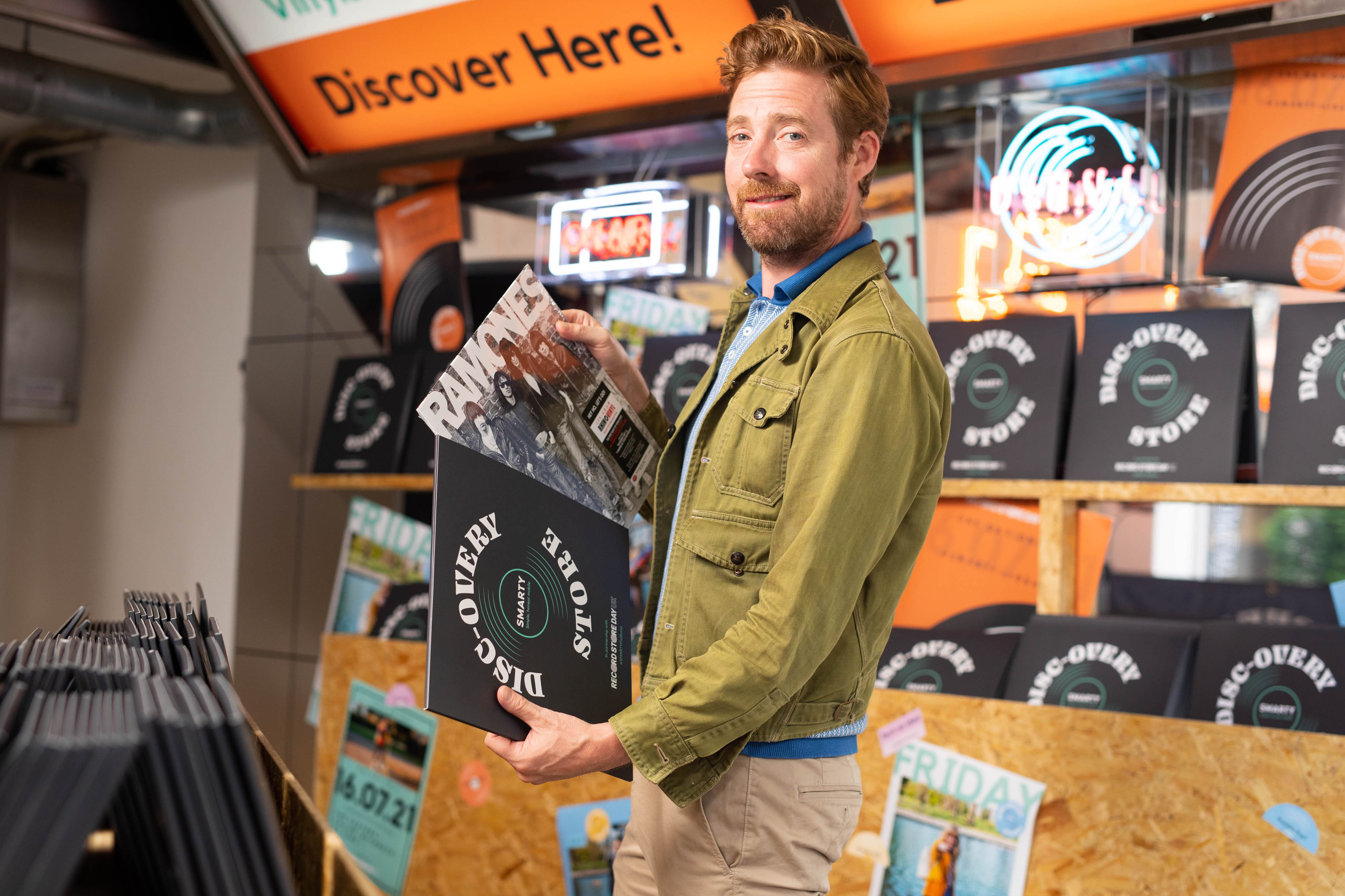 <p>Ricky Wilson attends the opening of SMARTY Mobile's Disc-overy Store pop-up ahead of Record Store Day, in London. Picture date: Friday July 16, 2021.</p>