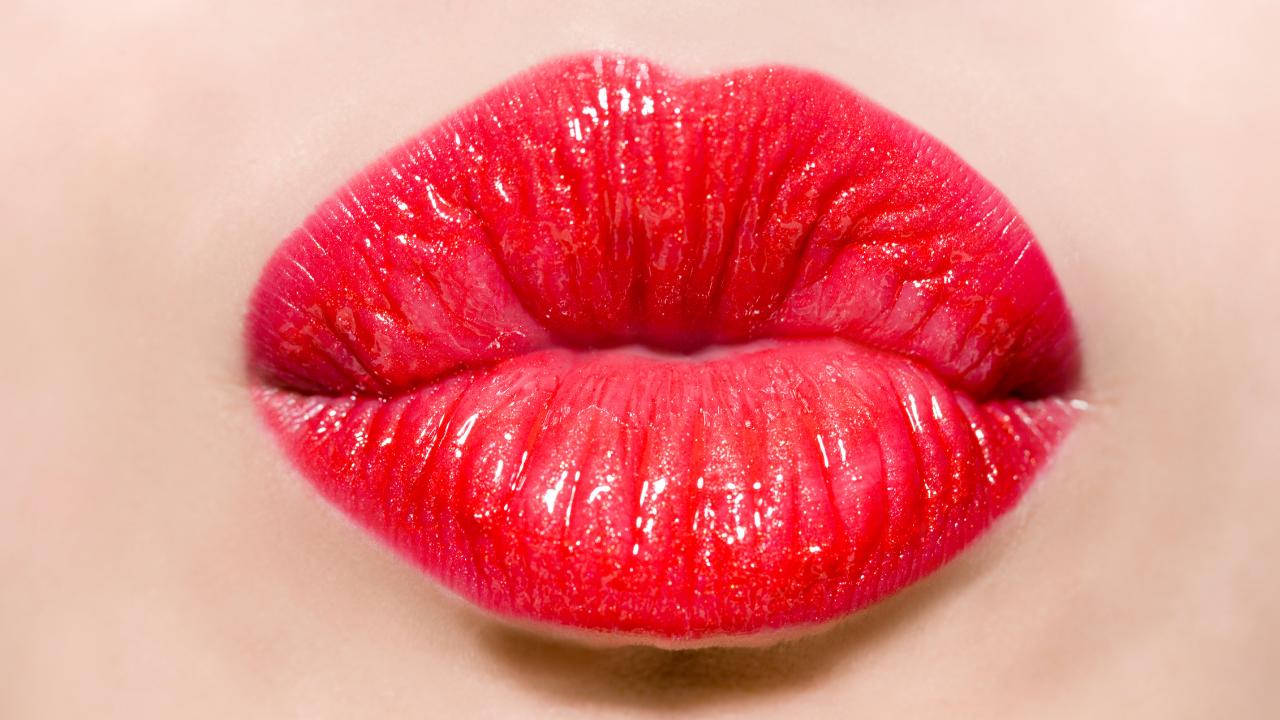 Get a free MAC, Clinique or Estée Lauder lipstick today