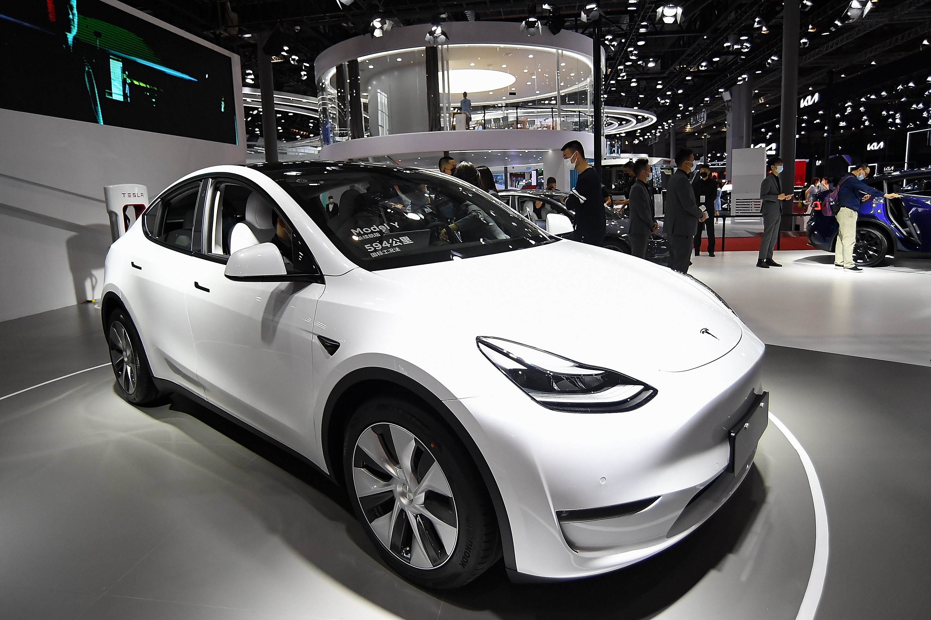 Tesla opens Model Y pre-orders in the UK for early 2022 delivery