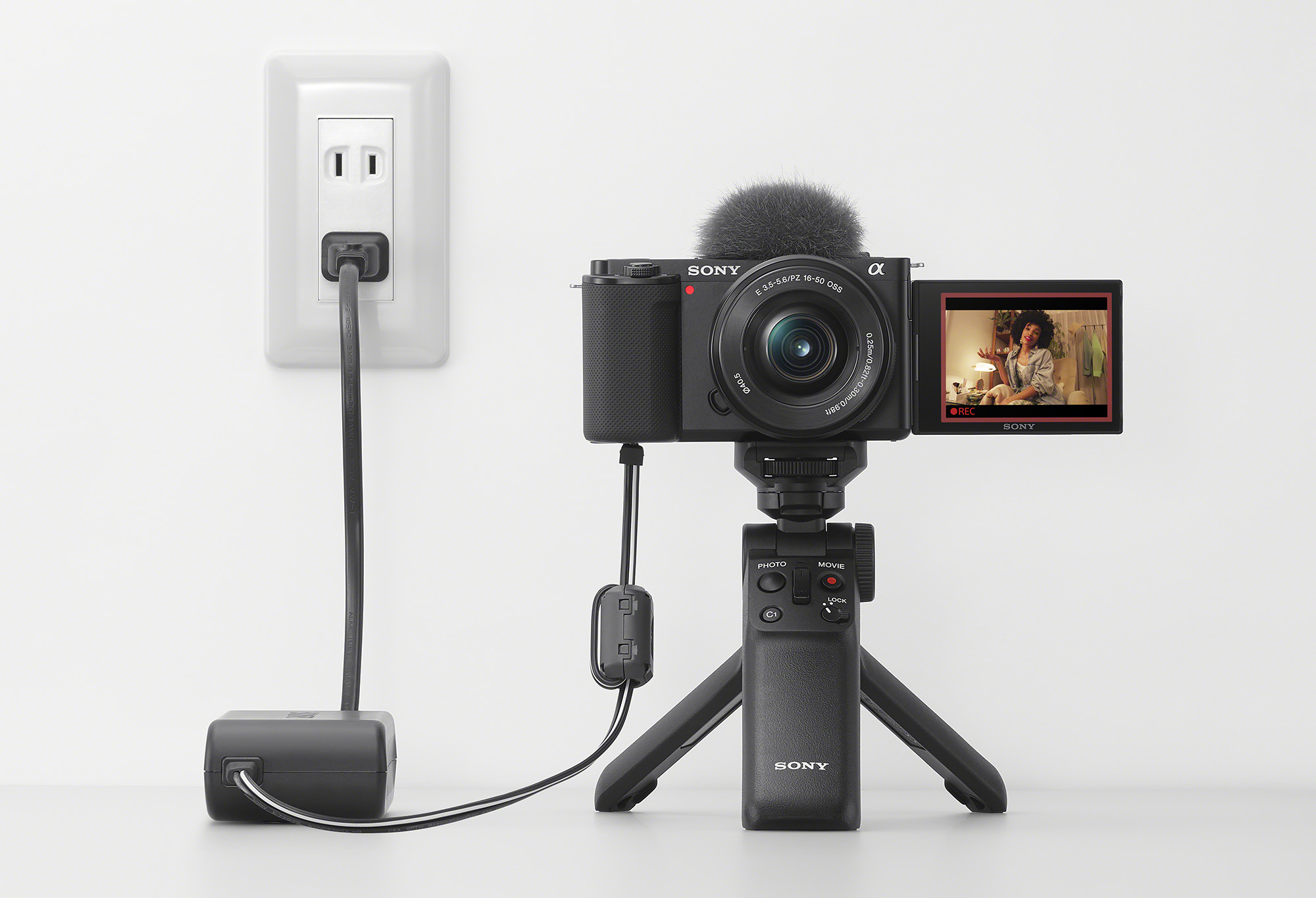 Sony's ZV-E10 brings interchangeable lenses to its vlogging camera series