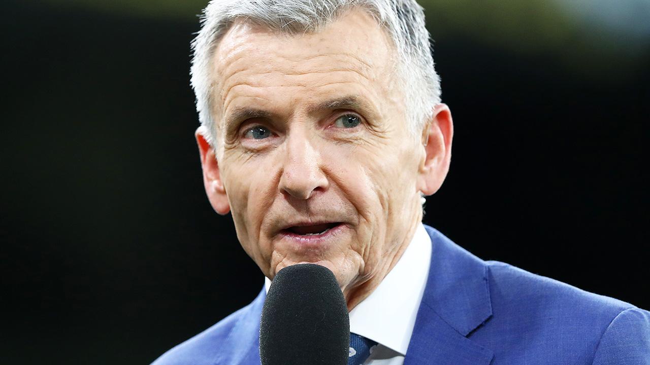Sports columnist's swipe at 'unprofessional' Bruce McAvaney