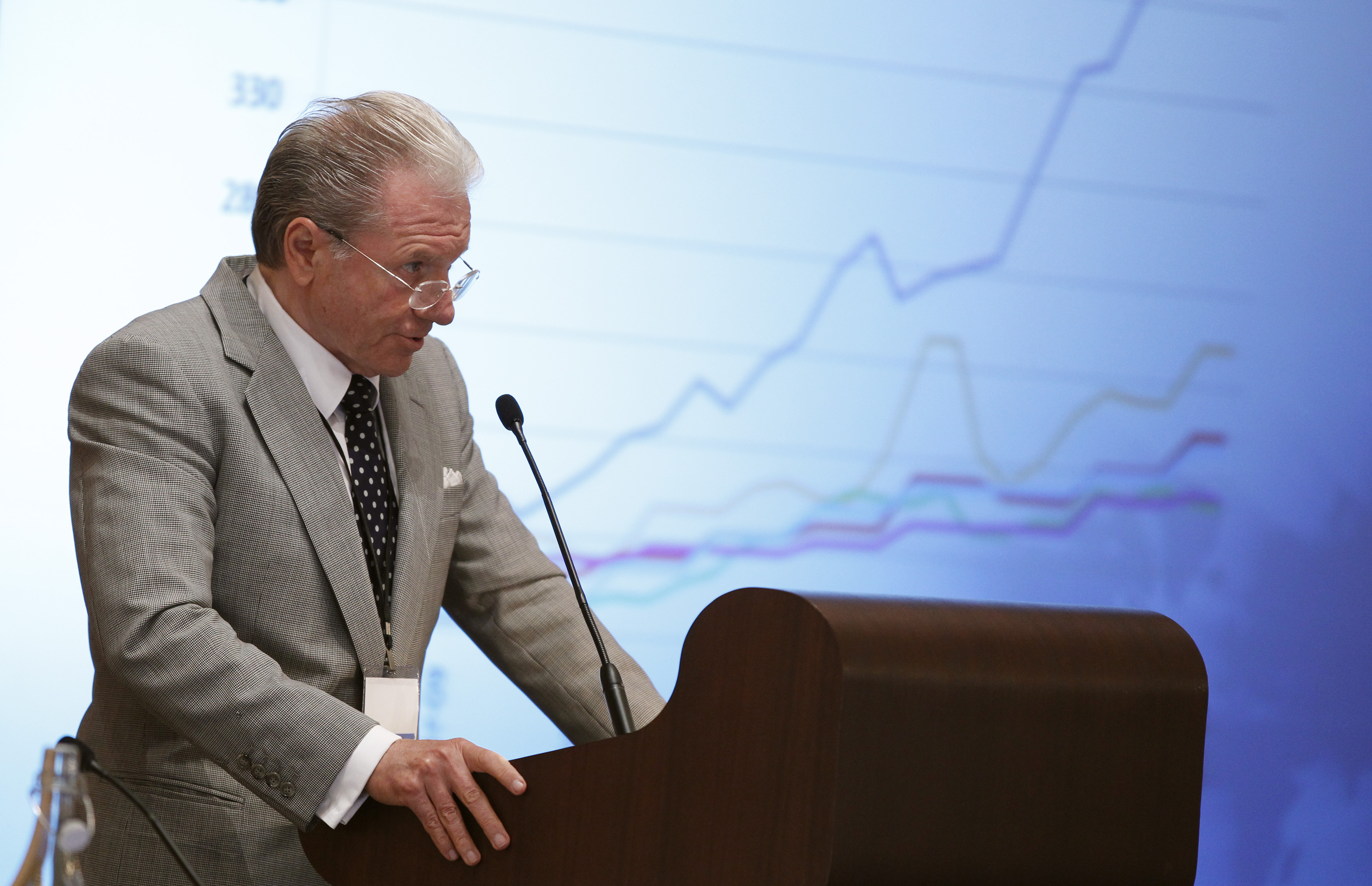 Interactive Brokers founder on why he owns crypto: People may 'lose faith in paper money'