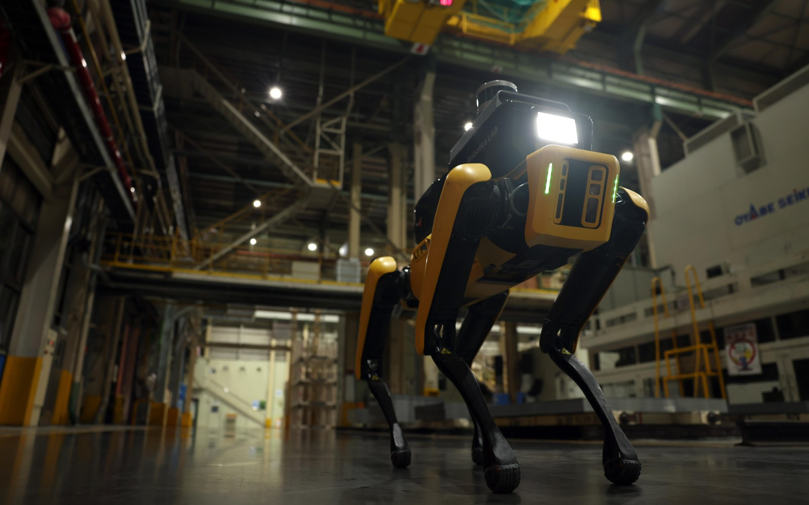 Hyundai puts Boston Dynamic's Spot robot to work as a factory safety inspector | Engadget