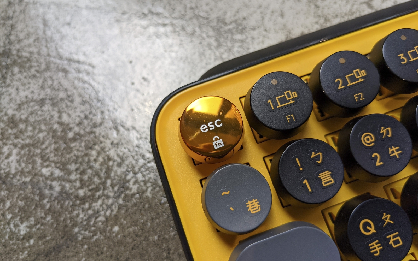 羅技 Pop Keys 無線機械鍵盤