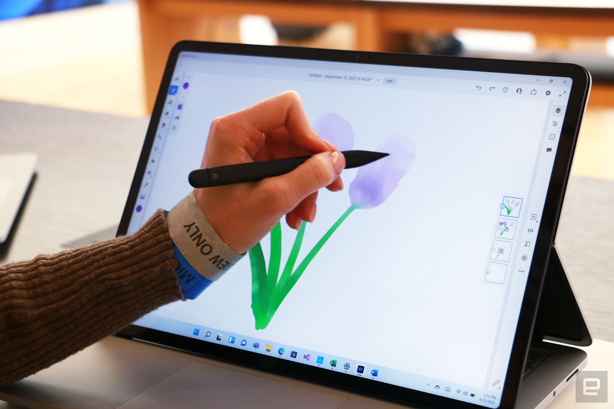<p>Surface Laptop Studio hands-on</p>