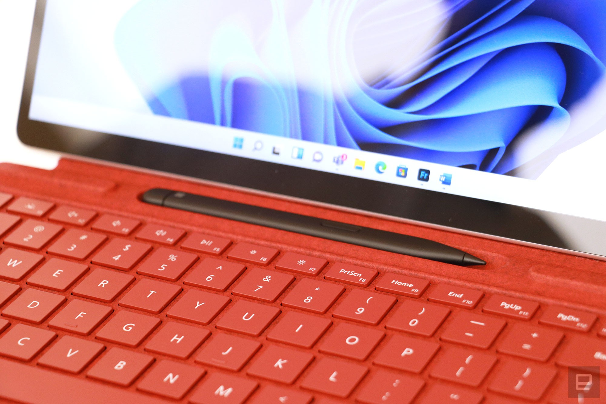 <p>Surface Pro 8 hands-on</p>