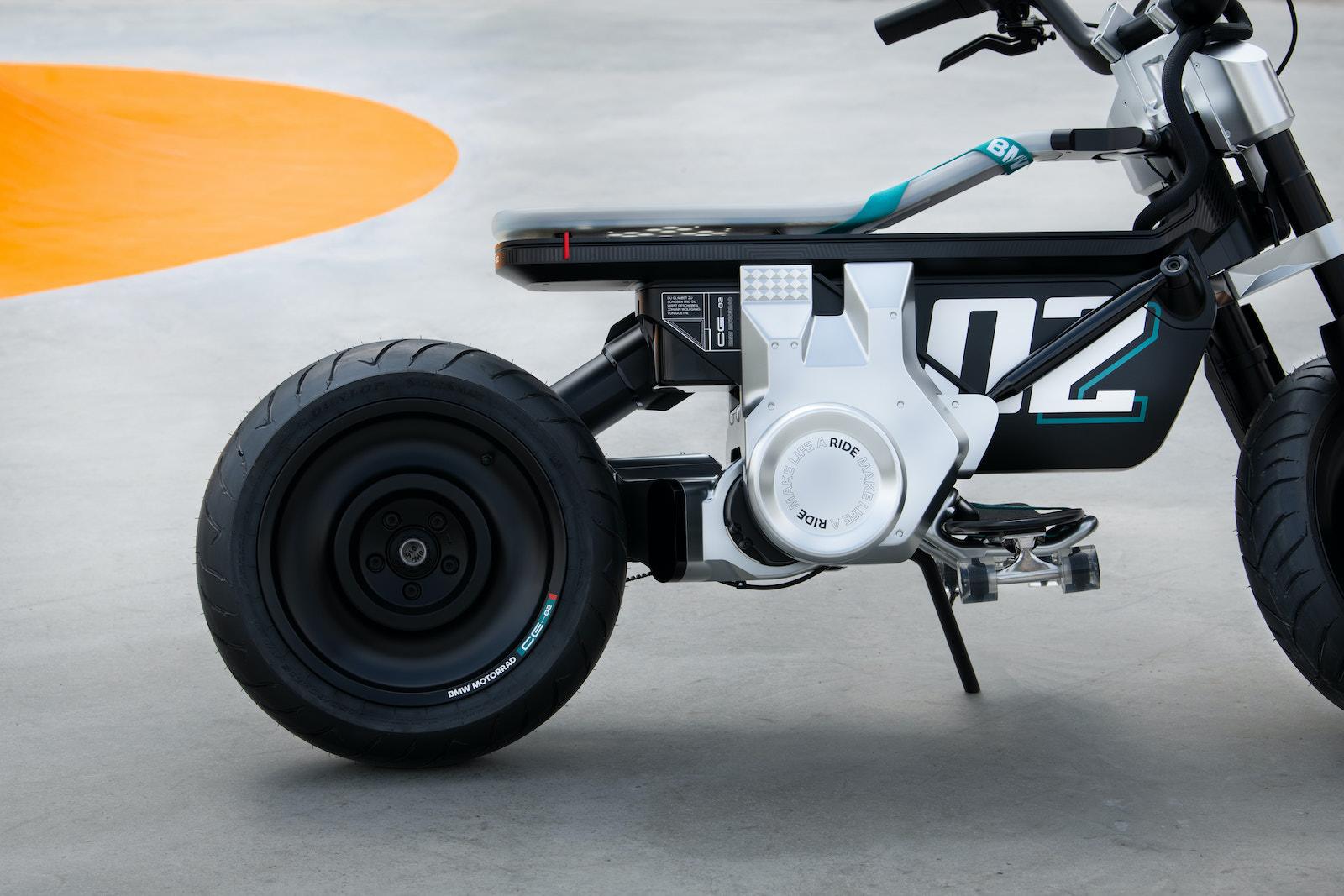 BMW CE 02