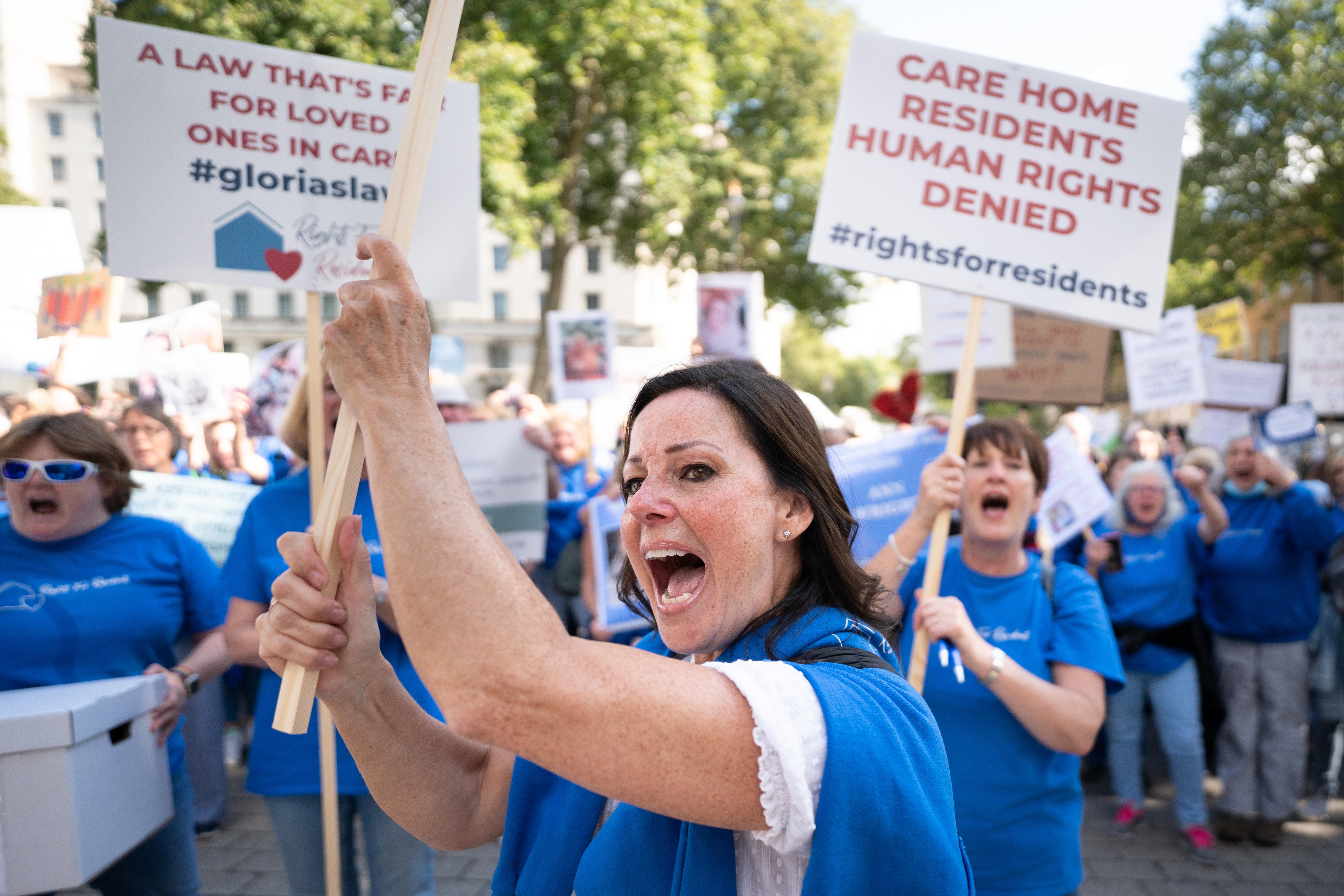 <p>Ruthie Henshall joins members of Rights For Residents to hand in a petition at 10 Downing Street, London. to protest about the inequality, discrimination and abuse of human rights of those in care. Picture date: Thursday September 16, 2021.</p>