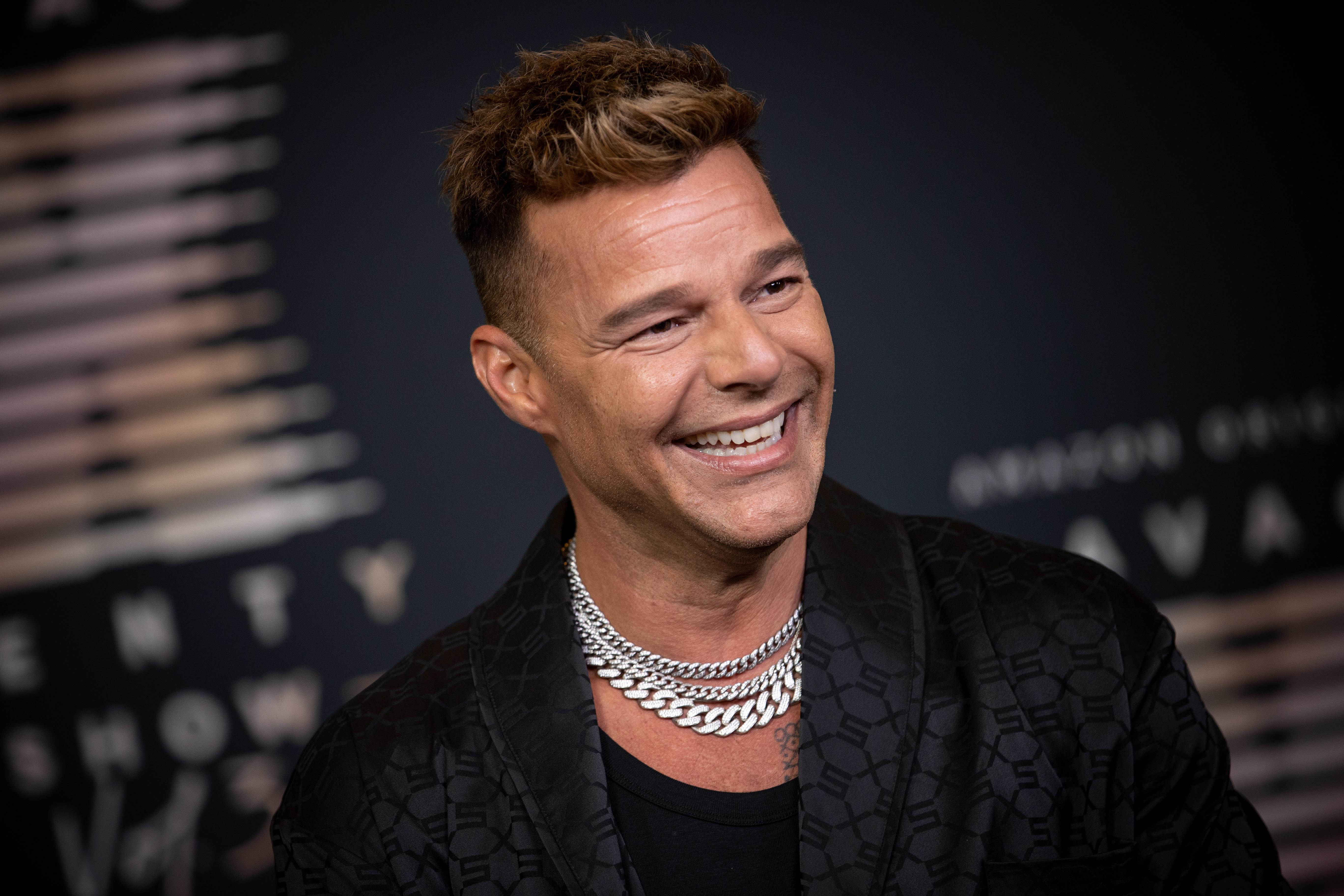Ricky Martin se muestra en Instagram tras la polémica por sus supuestos retoques estéticos