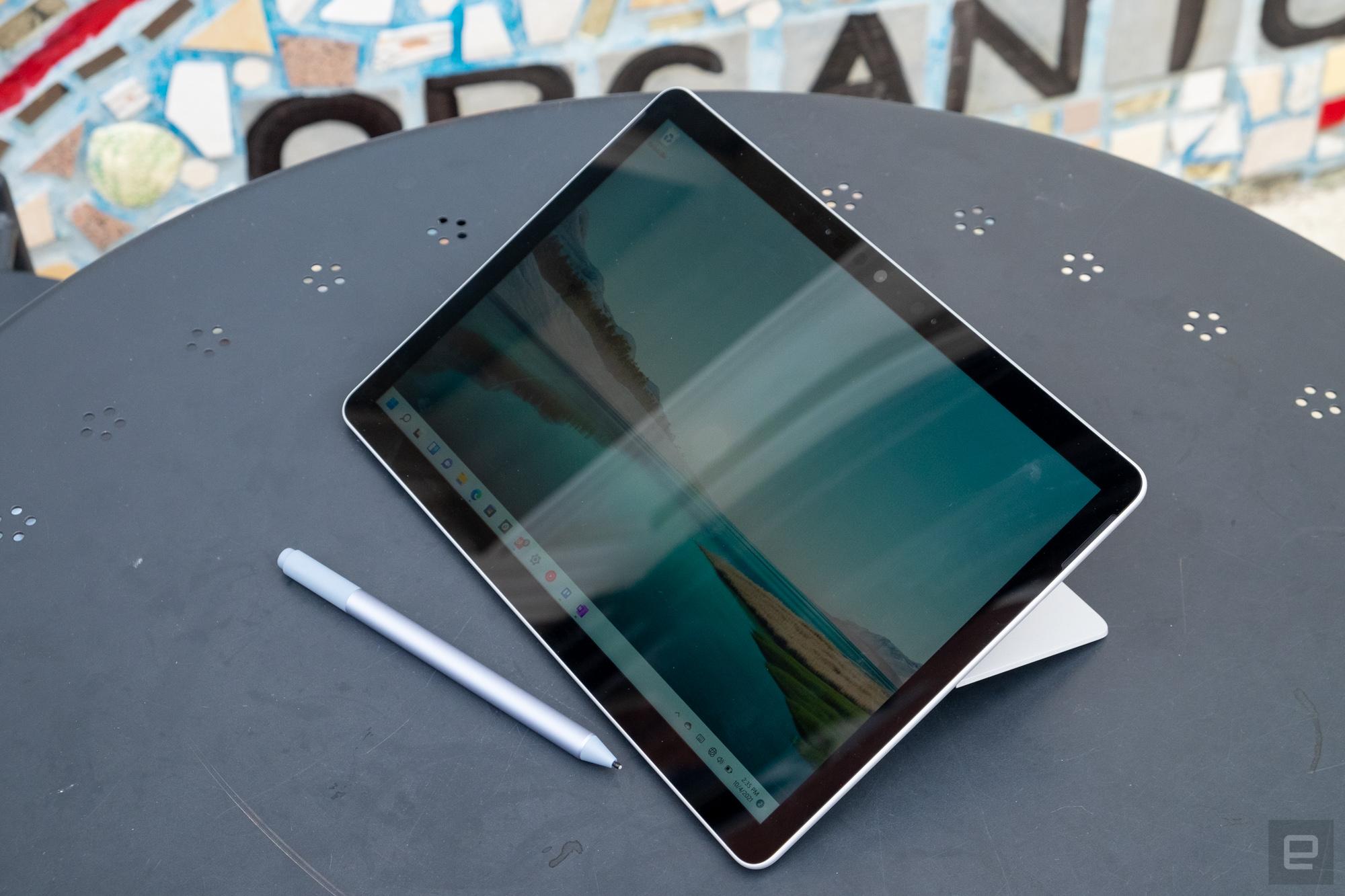 <p>Microsoft Surface Go 3</p>