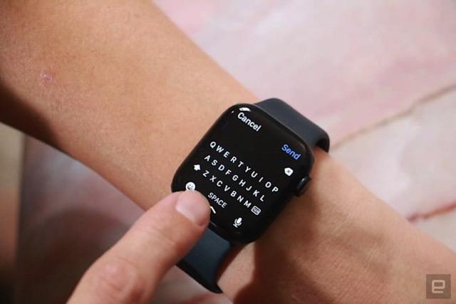 Apple Watch Series 7 on-screen keyboard