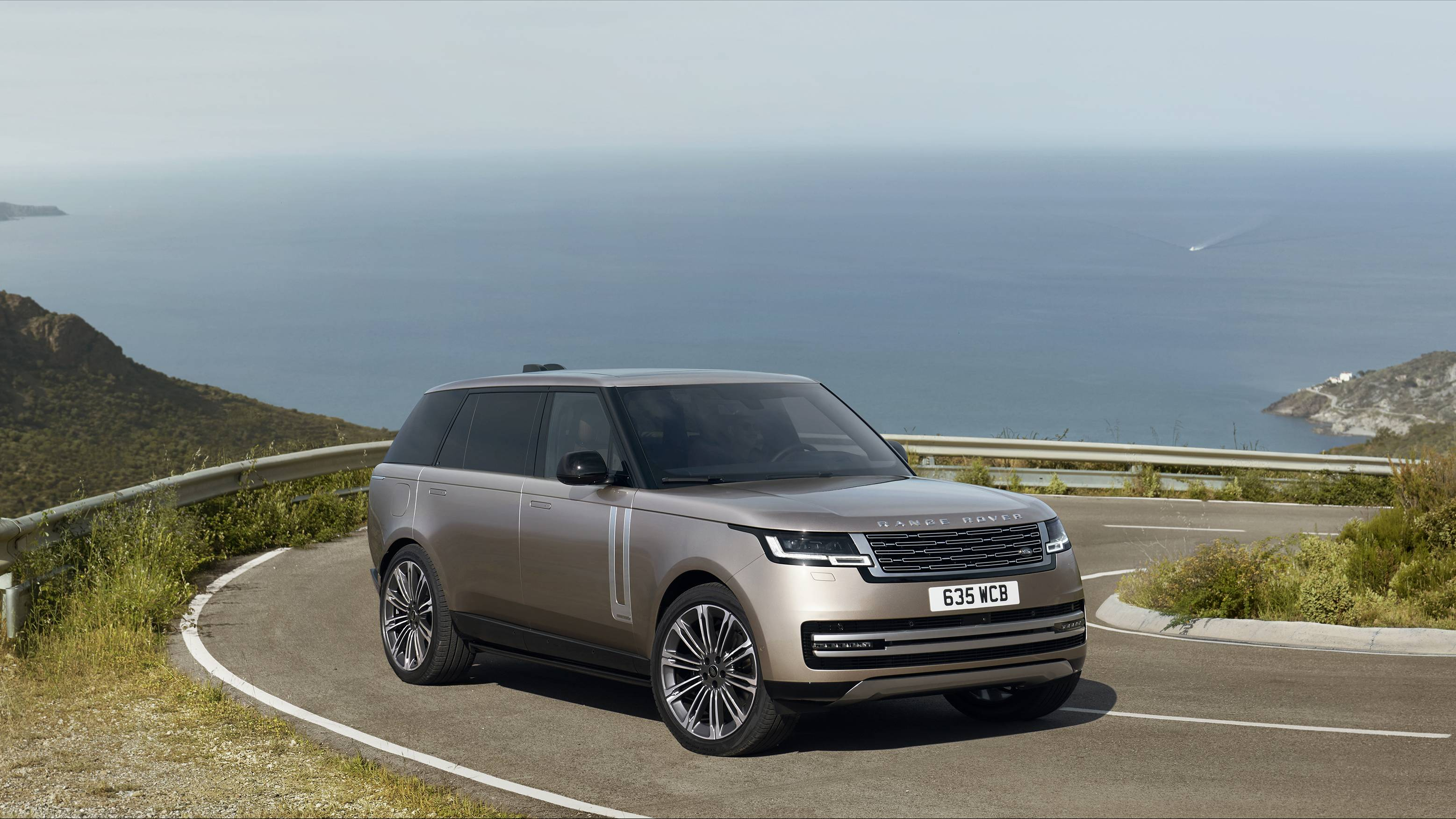 The 2022 Range Rover will come with both 'mild' and plug-in hybrid powertrains