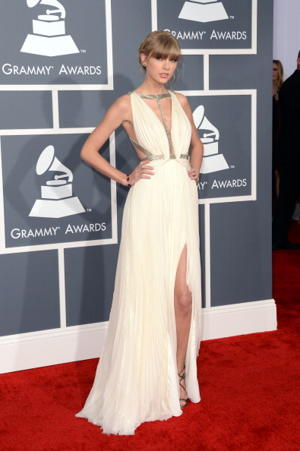 Taylor Swift Unleashed at Grammys: Five Reasons She's Better Without a Boyfriend