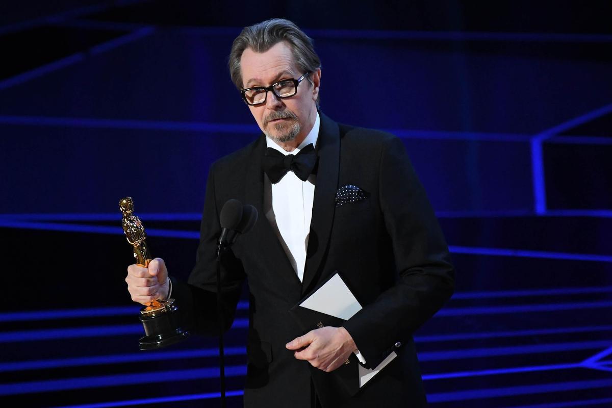 蓋瑞歐德曼以《最黑暗的時刻》奪下最佳男主角。(東方IC)