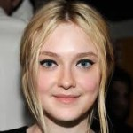 Berlin: Dakota Fanning And Danielle Macdonald Board Amy Berg Pic 'Every Secret Thing'