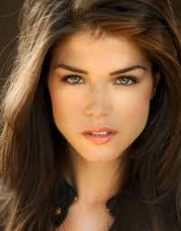 Marie Avgeropoulos Set For 'Tracers' Opposite Taylor Lautner