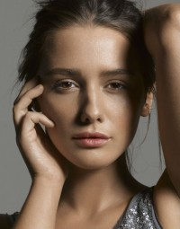 Addison Timlin Lands Lead In 'The Town That Dreaded Sundown'