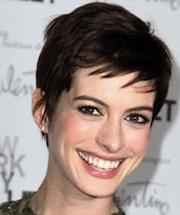 Anne Hathaway, Chloe Moretz & Sam Rockwell To Star In Lynn Shelton Pic