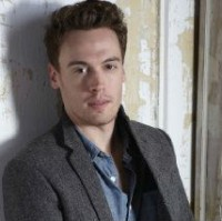 UPDATE: Erich Bergen Cast As Bob Gaudio In Clint Eastwood's 'Jersey Boys'; Two More Join Cast