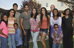 'Famous In 12′ Announces Its Own Cancellation On Air After TMZ Unable To Make Family Stars In 5
