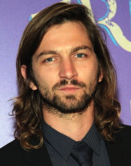 Michiel Huisman To Star In NBC Pilot 'The Sixth Gun'